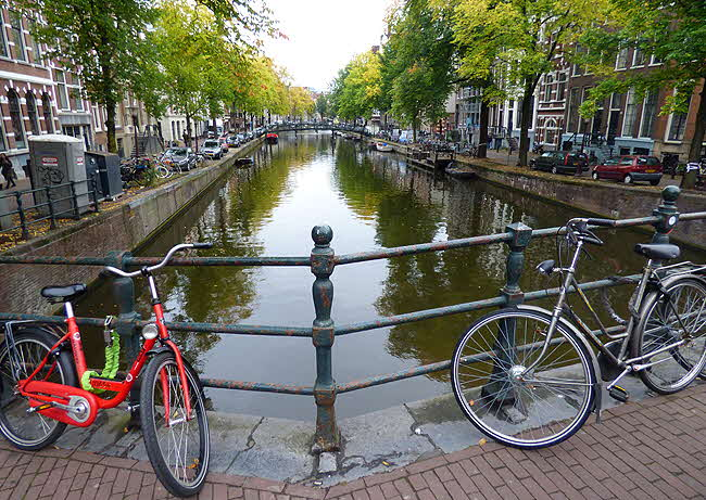 Amsterdam Canal and Bycicles