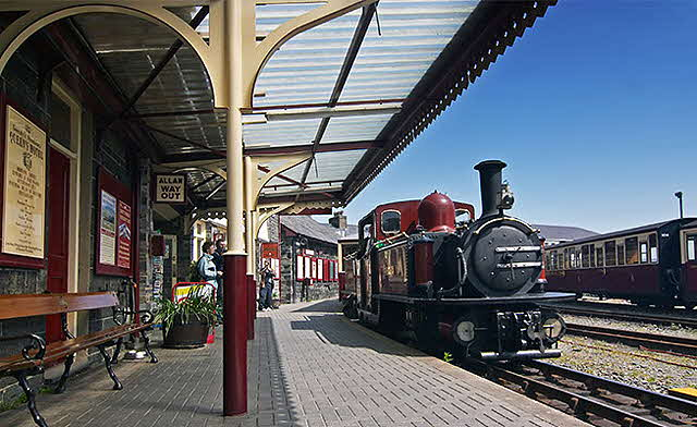 Great-little-trains-north wales-&-portmeiron