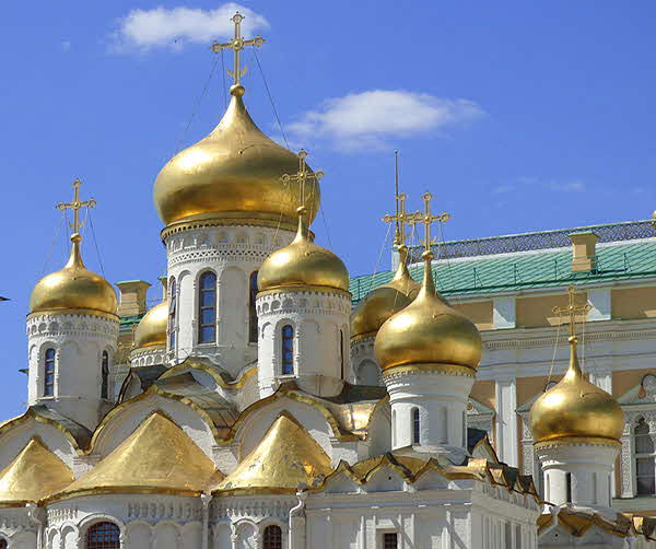 Moscow-Kremlin-Golden-Domes