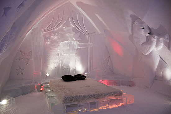 Quebec Ice hotel room