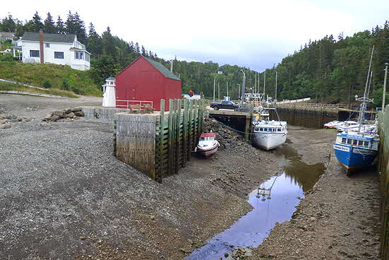 Nova Scotia Hall�s Harbour