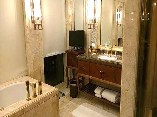 CONRAD SANYA Luxurious guest bathroom
