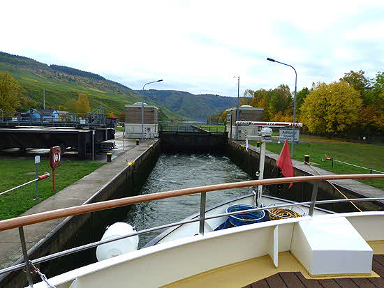 Uniworld River Queen in Lock